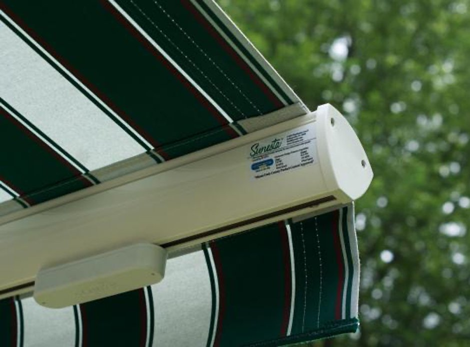 Awning Equipped With Wind Motion Sensor